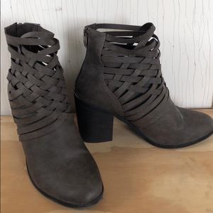 Cato - Brown Ankle Boots - Cross Cross Detail